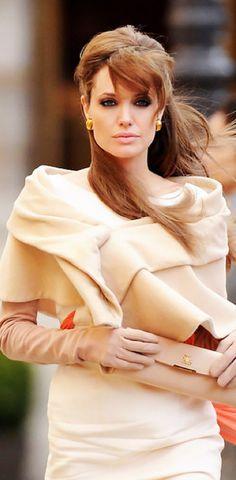 Angelina Jolie- the tourist