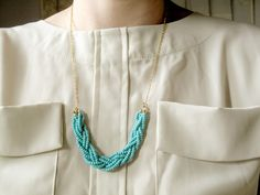 Braided bead necklace. Easy to make, but so fancy! #collegestyle #textbooks