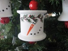 thread spools, spools crafts, snowman ornaments, sewing spool crafts, wooden spools