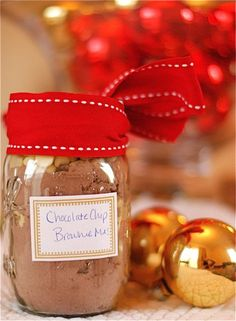 Homemade Gifts from the Kitchen: Chocolate Chip Brownie Mix in a Jar