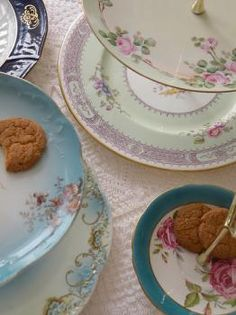 ...antique dishes with flowers...