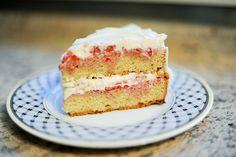 Strawberry Shortcake Cake. strawberry cakes, wedding cakes, strawberry shortcake, shortcak cake, pioneer women, cake recipes, cream cheese frosting, birthday cakes, strawberri shortcak