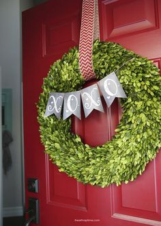 Valentine's Day wreath + free printable xoxo banner | I Heart Nap Time