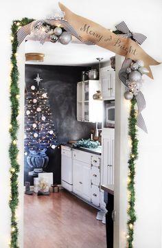 Christmas door garla