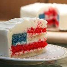 Super cute DIY July 4th cake