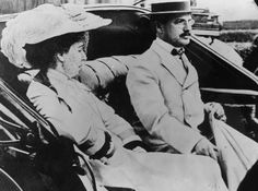 circa 1910: Banking and mining millionaire, Benjamin Guggenheim with his wife Florette Seligman. Guggenheim died when the liner 'Titanic' sank in April 1912.