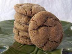 Sharon's soft gingersnaps (60 calories per cookies, makes 40 cookies)