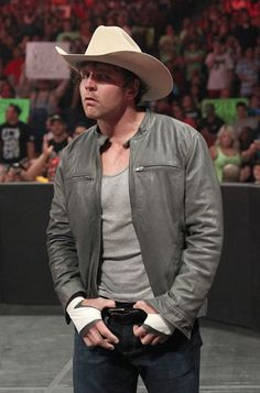 Could anything be hotter than Dean Ambrose in a cowboy hat