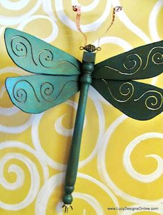 Lucy Designs: Table Leg Dragonflies with Ceiling Fan Blade Wings: http://www.lucydesignsonline.com/search/label/Table%20Leg%20Dragonflies%20with%20Ceiling%20Fan%20Blade%20Wings