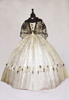 Ball gown, 1860