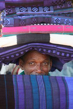 ❤família - Cloth Salesman, Mopti, #Mali  #Africa