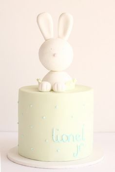 Sweet bunny cake for Victoria's baby shower.