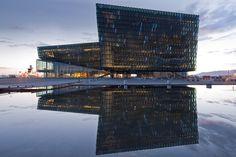 Harpa - Reykjavik Concert Hall and Conference Centre (BATTERÍID ARCHITECTS / Sigurður Einarsson. STUDIO OLAFUR ELIASSON / Olafur Eliasson. HENNING LARSEN ARCHITECTS / Peer Teglgaard Jeppesen, Osbjørn Jacobsen) - Mies Van Der Rohe Award 2013