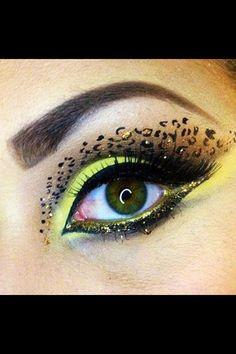 Cat eyes leopard print makeup