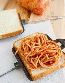 Garlic bread spaghetti pudgy pie