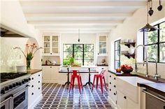 Light Transitional Kitchen by Jessica Helgerson