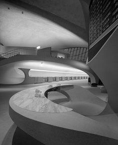 TWA Terminal at Idlewild (now JFK) Airport, Eero Saarinen, New York, NY — Ezra Stoller, 1962