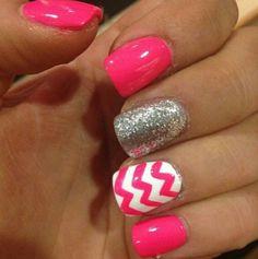 Chevron glitter nails