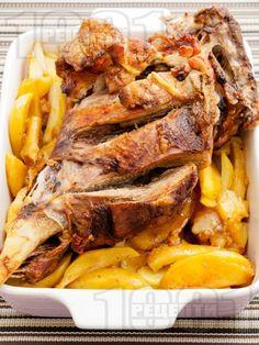 Roasted lamb with potatoes/Печено агнешко бутче с картофи