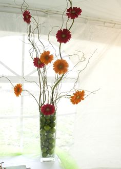Gerbera centerpiece with fresh limes