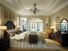 Master Bedroom (I like the long dust ruffle)