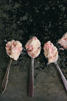 no-churn candy cane ice cream | the vanilla bean blog