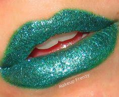 d day lip kiss scene