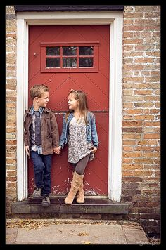 Lifestyle Family Portraits by Angelsea Urban #siblings #doorway #bricks