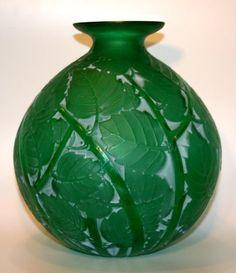 . Lalique emerald green 'Milan'