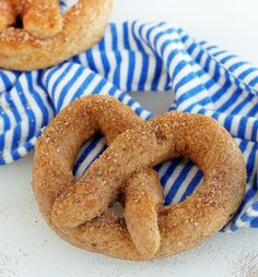 Recipe: Homemade Auntie Anne's Soft Pretzels