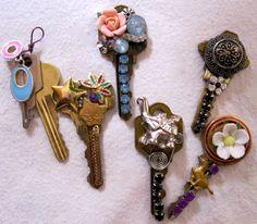 GD Mizar's AWESOME DIY post on repurposing all those old keys!