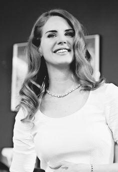 Lana Del Rey.. Black And White #LDR