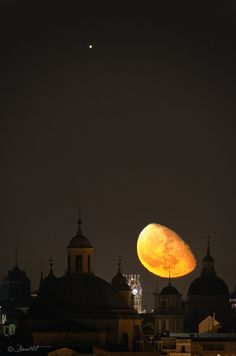 Jupiter and Moon over Madrid luna, madrid, amaz, natur, night, beauti, photo, jupit, moonlight