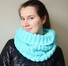 mint green chunky infinity scarf turquoise by LOVELYCHICKNITTING, $31.90