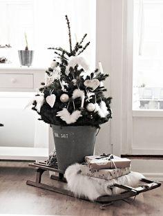 #MazzWonen #MazzTuinmeubelen-- #Inspiratie #Kerstmis #Kerst #Kerstboom #Kerstversiering #Christmas #Three #Home #Livingroom