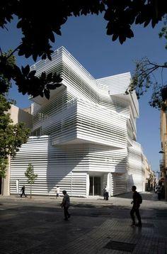 Martínez Lapeña . Torres Arquitectos centro cultural badalona