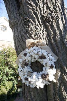 Raw cotton wreath.