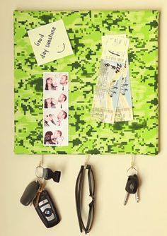 DIY key holder and bulletin board, perfect for your entryway → http://youtu.be/d4FT9YJvZvE