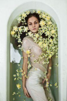 modern art, fashion models, daffodil, dream, bathtubs, beauty, bathing beauties, fashion photography, flower girls