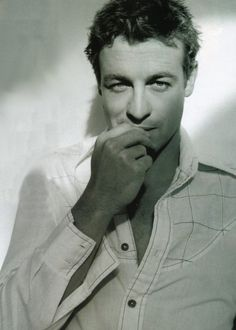 Someone at a conference this weekend told me that when she reads about Chase, she thinks about Simon Baker. Yum.