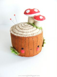 An adorable tutorial by Manuela of i ManuFatti -  Bugs and Fishes by Lupin: Guest Post: Felt Tree Stump Pincushion Tutorial