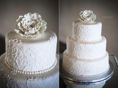 White lace detail, t