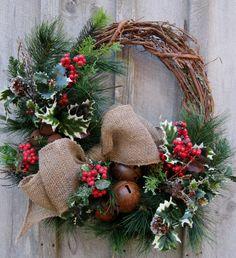 christmas wreaths, christma wreath, christma decor, jingle bells, country christmas, burlap bows, woodland christmas, christma woodland, winter wreaths