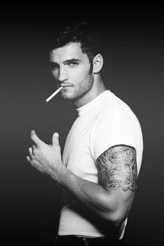 Tatoo or not tatoo ??    #male #men #hunk #boy #homme #eyecandy    Follow http://www.pinterest.com/lcottereau/men/