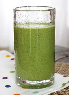 Skinny Green Monster Smoothie #smoothie #breakfast #snack #spinach #healthy #banana #greekyogurt