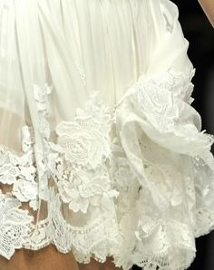 Lace wedding dressses, ss 2011, fashion details, style, dress wedding, white lace, beauti lace, lace dresses, dolc gabbana