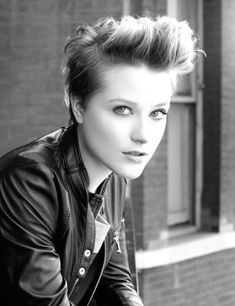 Love Evan Rachel Wood's hair!  The epitome of cool and chic all at once.