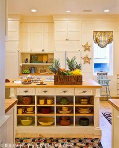 nice shelving n cabinets