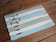 Weathered Paint Stick Beach Flag by CraftsbyAmanda.com @Amanda Formaro