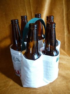 Brilliant 6-pack carrier made from a grain bag!